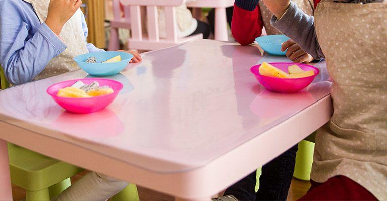 Exigir el empadronamiento para acceder a una ayuda de comedor escolar